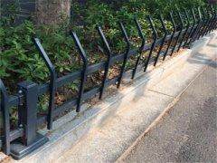 社区花坛草坪护栏安装