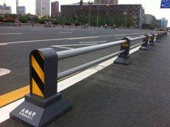 横梁式道路护栏的规格