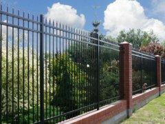 锌钢围墙围栏由哪几部分组成?