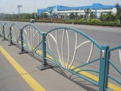 道路市政护栏在发展中有哪些问题,