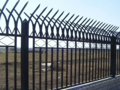 锌钢护栏围栏怎样防护