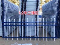 色彩多样的锌钢厂区围墙护栏