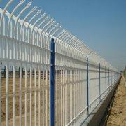 庭院围栏施工时应该做好基层处理